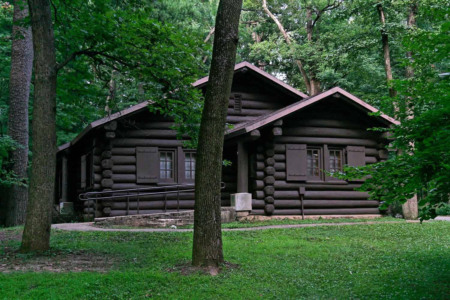 Cabins & Cottages