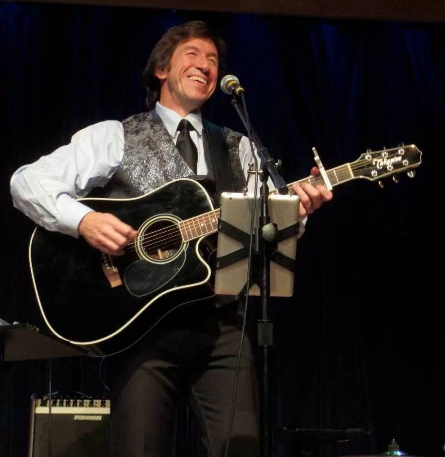 Live Theater - Forever in Blue Jeans: A Neil Diamond Tribute