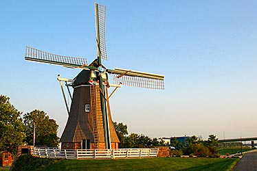 De Immigrant - Dutch Wind Mill