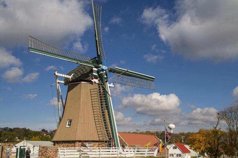 De Immigrant Dutch Windmill