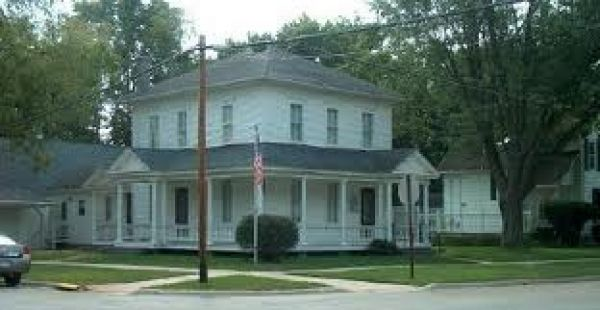 Ruby Nash Home/Ogle County Historical Museum